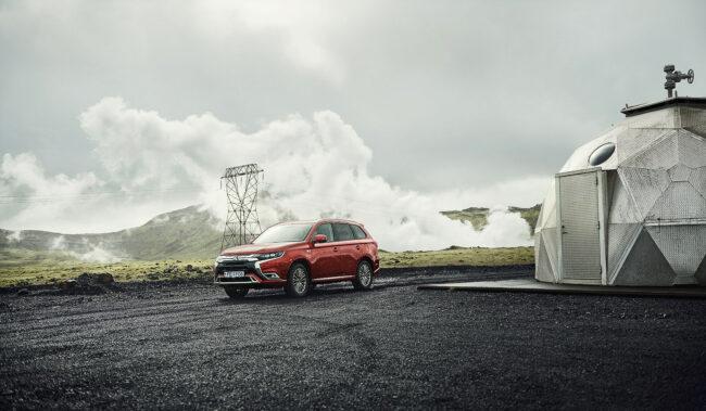 Mitsubishi Hybrid Story auf Island, fotografiert von Lina Grün für Electrified Magazin